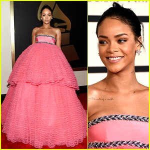 rihanna-grammys-2015-red-carpet