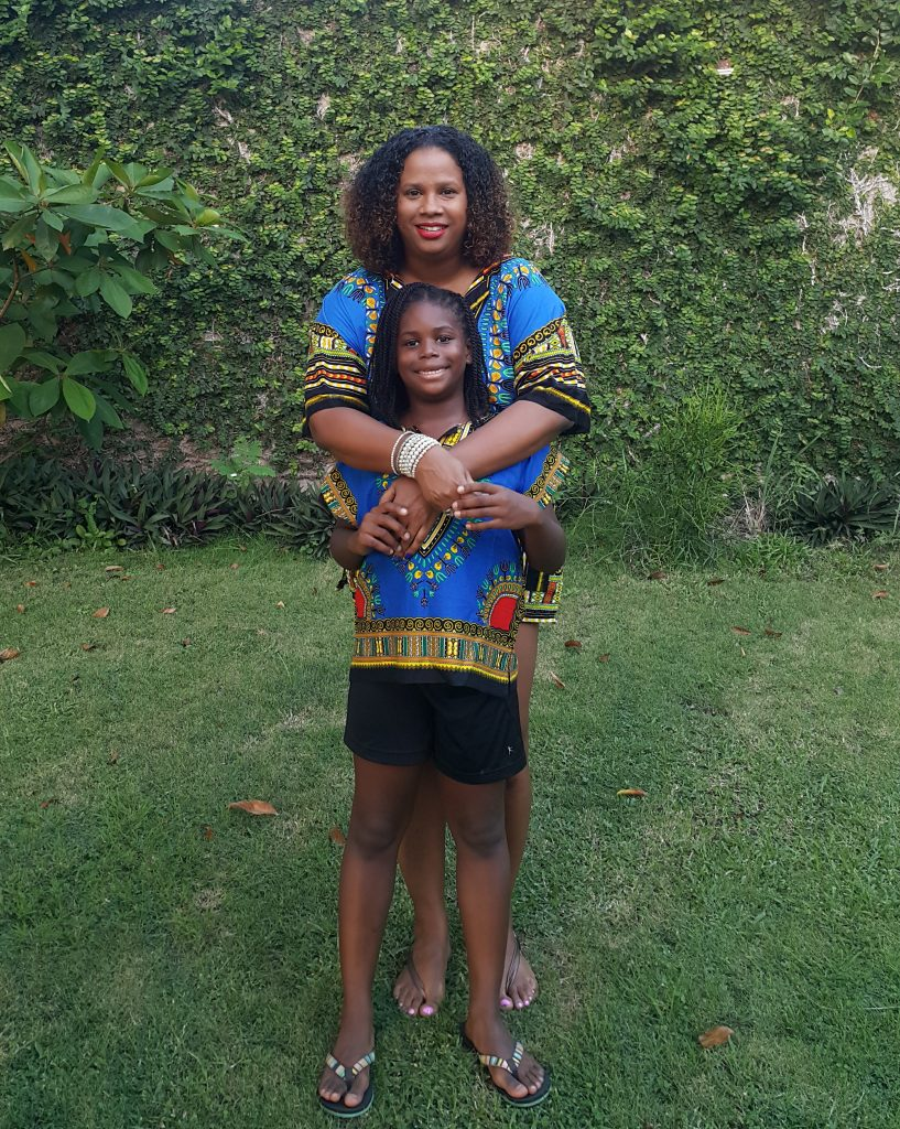 Natural hair mom and daughter
